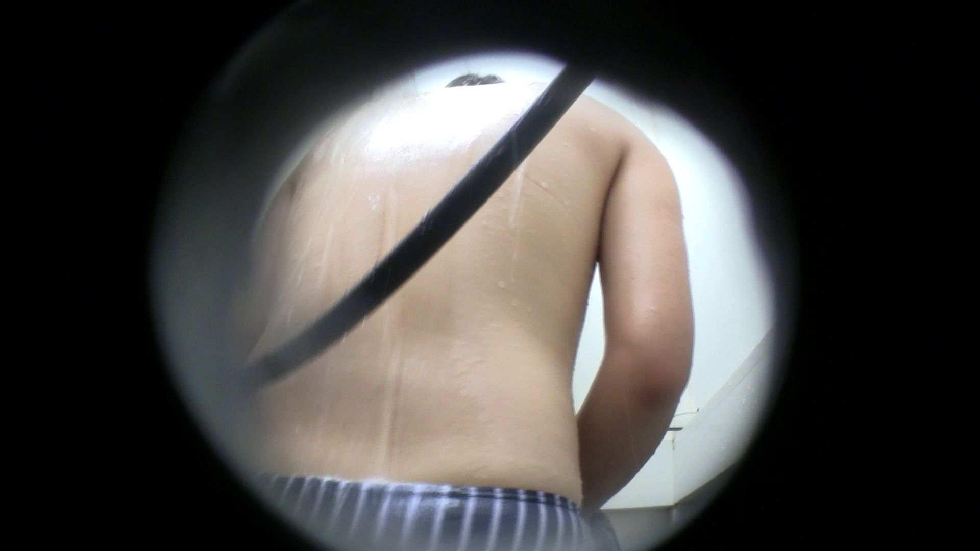 無修正エロ動画:NO.43 乳首の先がチラ 背中でイメージして下さい:怪盗ジョーカー