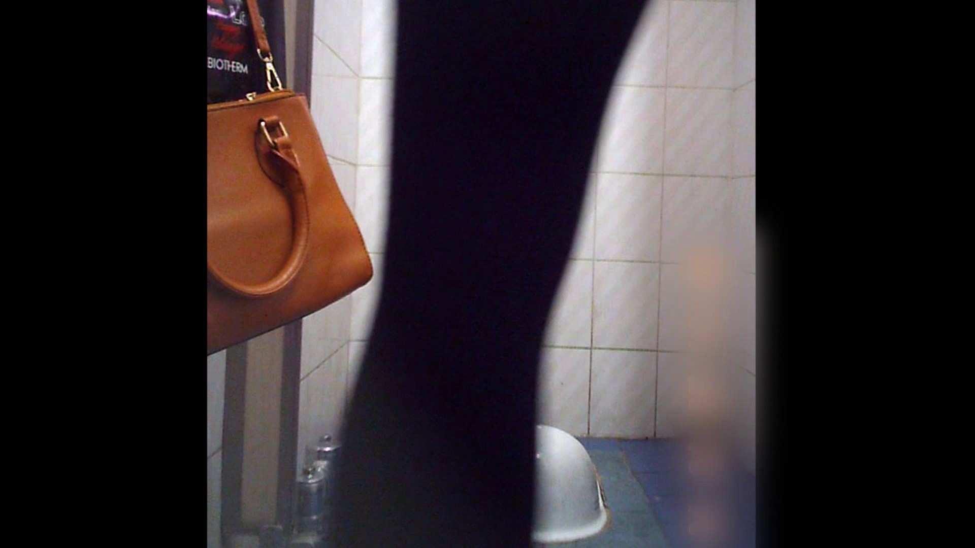 潜伏韓国トイレ北緯38度線!Vol.12 盗撮動画 | トイレの中まで  11枚 3