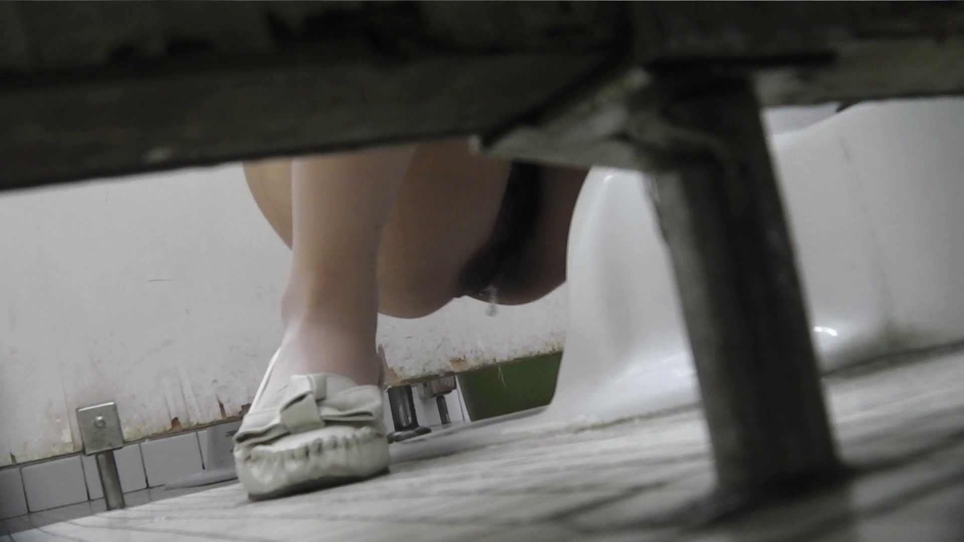 無修正エロ動画:vol.04 命がけ潜伏洗面所! バッチ具ー:のぞき本舗 中村屋