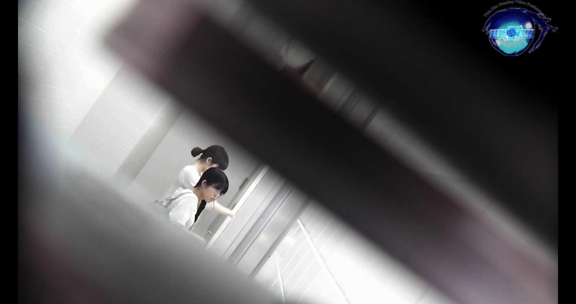 お銀さんの洗面所突入レポート!!vol.72 あのかわいい子がついフロント撮り実演 バックショット | 洗面所  9枚 1