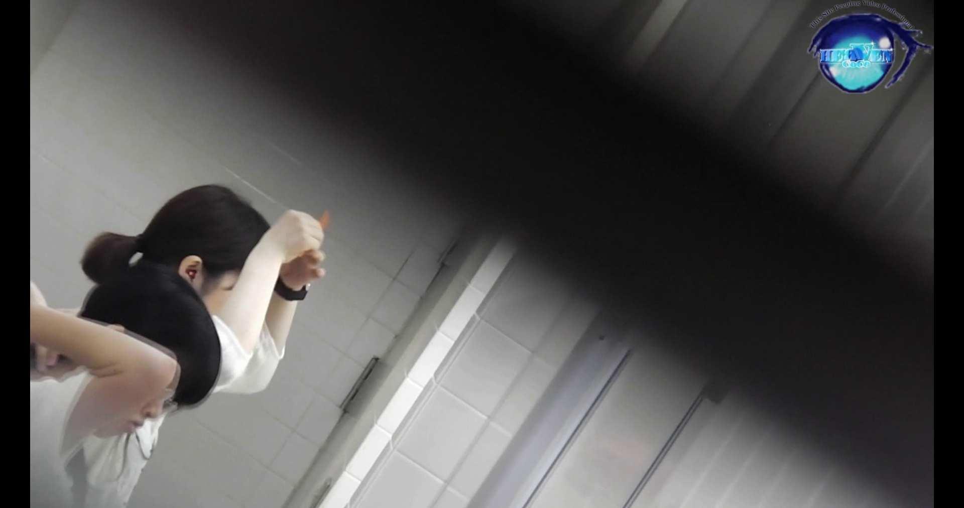 お銀さんの洗面所突入レポート!!vol.72 あのかわいい子がついフロント撮り実演 バックショット  9枚 2