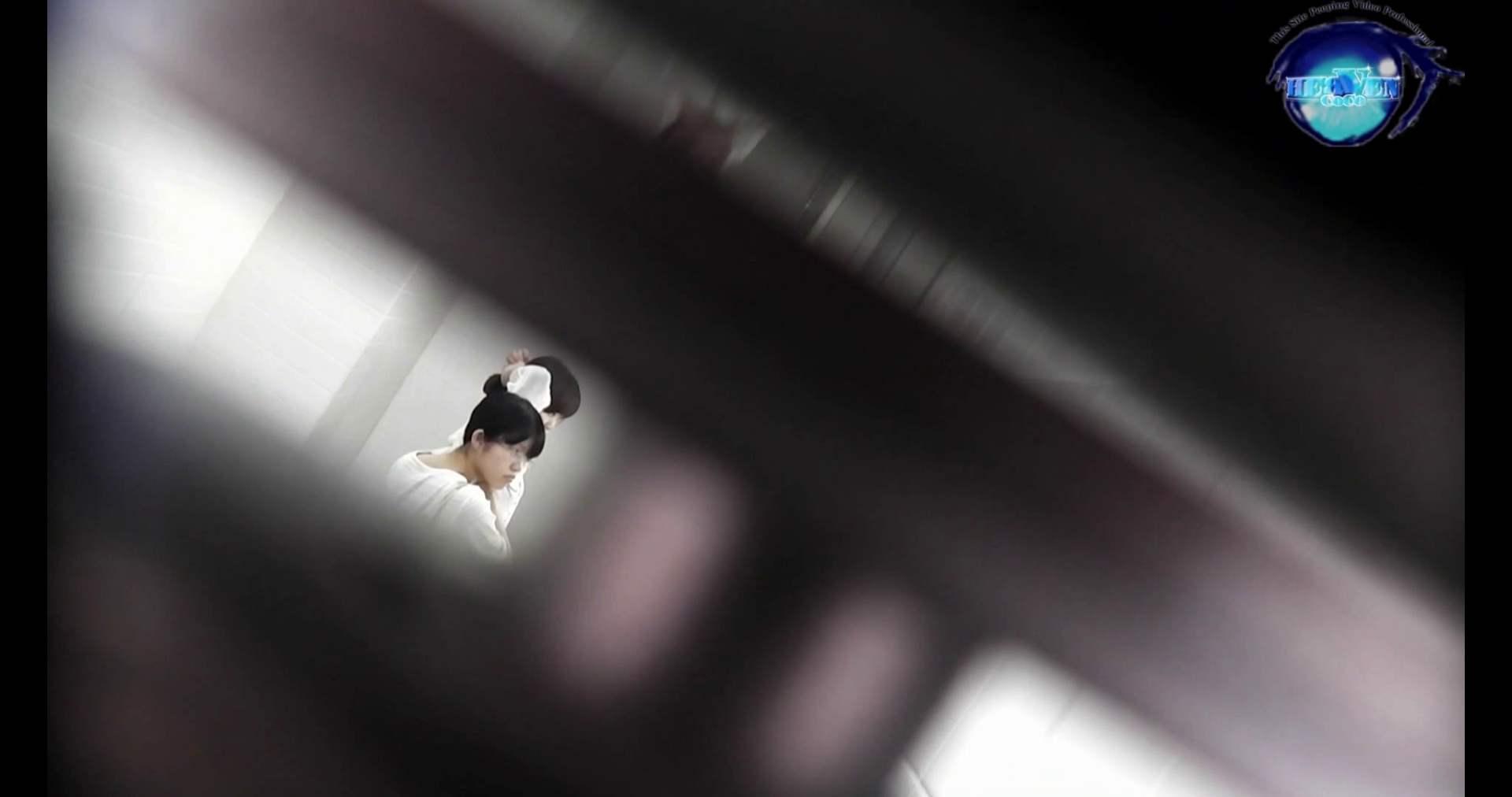 お銀さんの洗面所突入レポート!!vol.72 あのかわいい子がついフロント撮り実演 バックショット | 洗面所  9枚 5