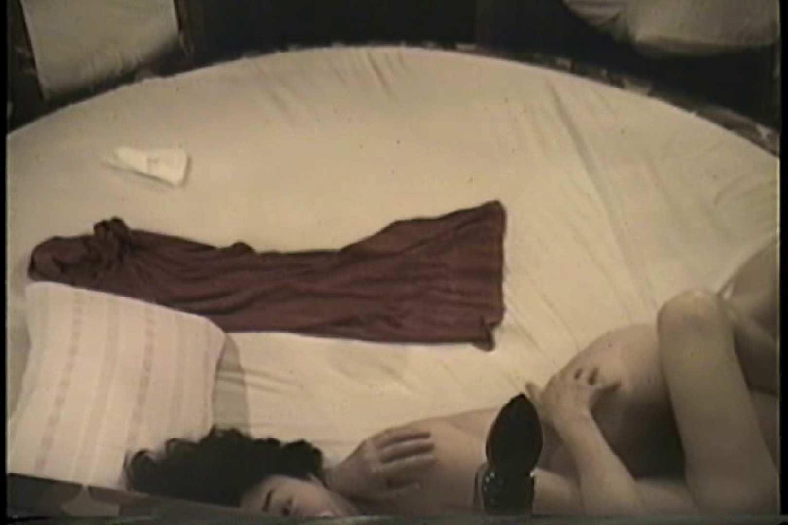 無修正エロ動画:実録!ラブホテル~消し忘れ注意!昭和の色編~ vol.15:のぞき本舗 中村屋