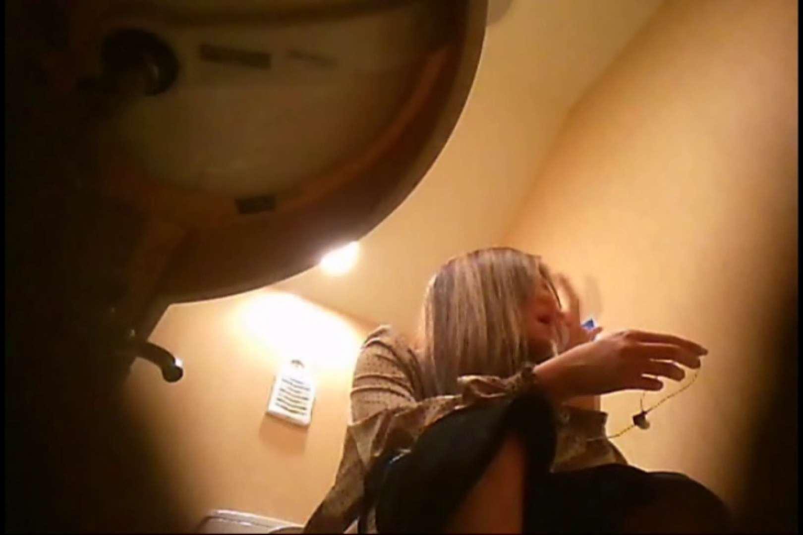 潜入!!女子化粧室盗撮~絶対見られたくない時間~vo,111 エロい熟女 濡れ場動画紹介 10枚 7