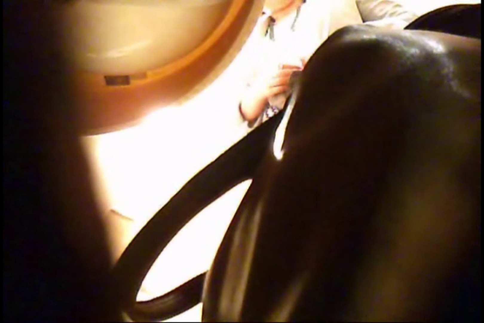 潜入!!女子化粧室盗撮~絶対見られたくない時間~vo,32 盗撮動画 戯れ無修正画像 9枚 5