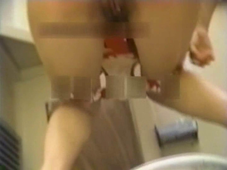 和式個室に穴を開けて盗撮しました。 厠の中で 盗撮動画紹介 9枚 6