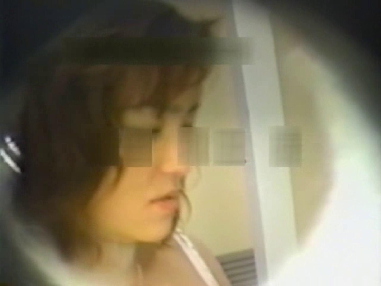 和式個室に穴を開けて盗撮しました。 和式   盗撮動画 のぞき 9枚 9