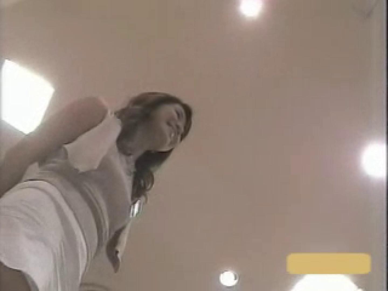 無修正エロ動画:ショップ店員のパンチラアクシデント Vol.1:ピープフォックス(盗撮狐)