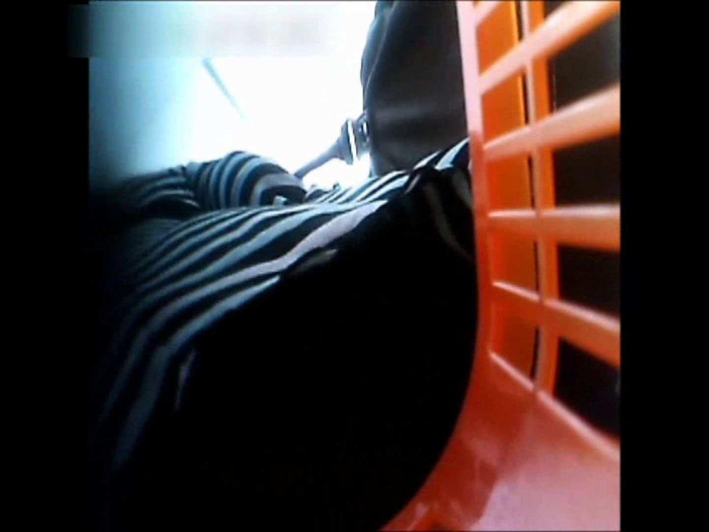 無修正エロ動画:ぴざさん初投稿!「ぴざ」流逆さ撮り列伝VOL.22(一般お姉さん、奥様編):ピープフォックス(盗撮狐)